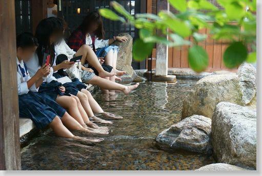 女子高生と合法的に混浴する方法を発見したぞぉーwww fnB71Gx