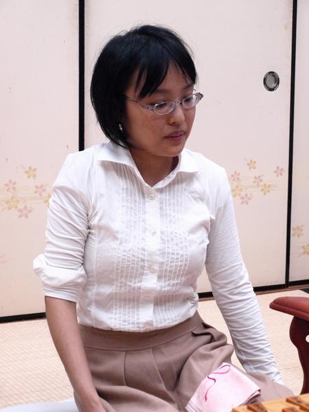 女流プロ棋士の着衣おっぱい画像スレwwwwww kai11