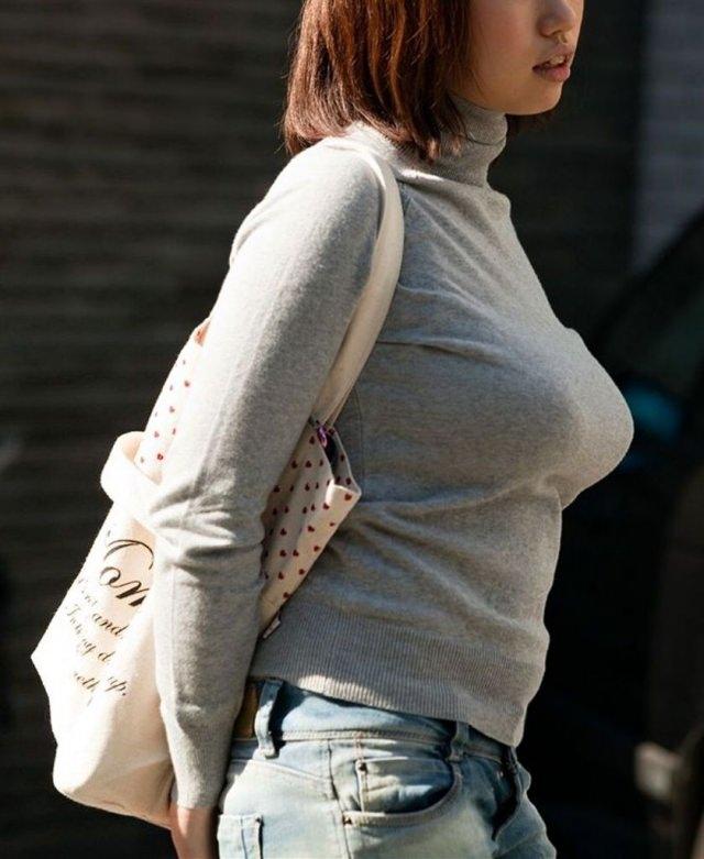 おっぱいの形が丸わかりな素人の着衣おっぱいセーター画像 sirouto knitkyonyu matidori 27008