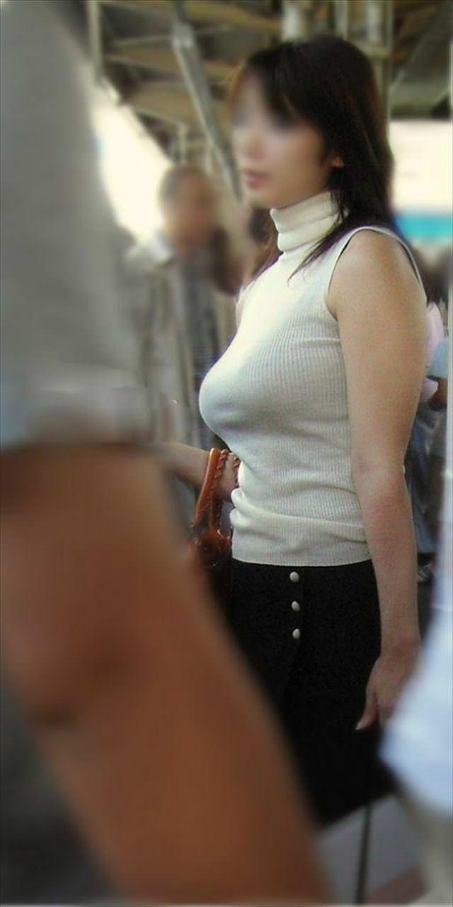 おっぱいの形が丸わかりな素人の着衣おっぱいセーター画像 sirouto knitkyonyu matidori 27018