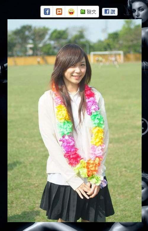 台湾の女子高生のレベルが高すぎると話題に!!!! vq2U3zS