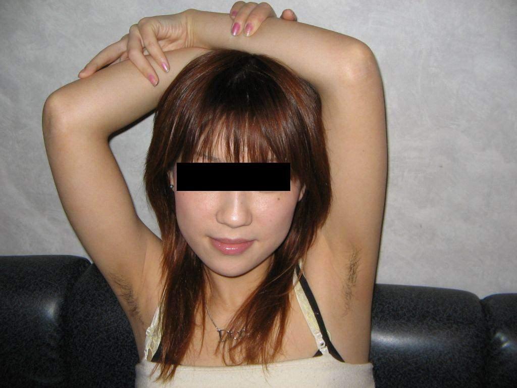 ワキ毛未処理のくせに性欲だけはいっちょ前な素人娘のエロ画像!!!!!!! 0129