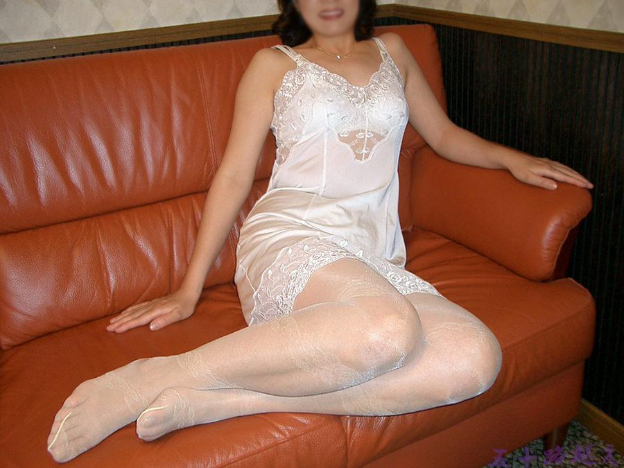 素人のスケべ熟女に一番似合う下着の色は純白だぁーwww 0213