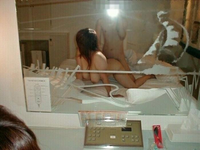 鏡前でセックスする素人カップルwwwこれ彼氏は友達に絶対見せてんだろーwww 0401