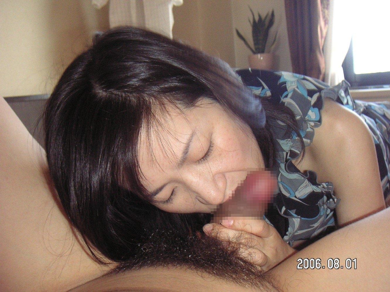 愛おしそうに彼氏のチンポをフェラする素人娘の投稿画像!!!!!!! 0562
