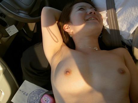 貧乏な訳あり素人妻がセックスに選ぶ場所www間男とのカーセックスが燃えるんですwww 0810
