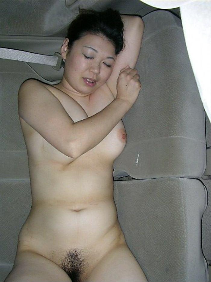 貧乏な訳あり素人妻がセックスに選ぶ場所www間男とのカーセックスが燃えるんですwww 0843