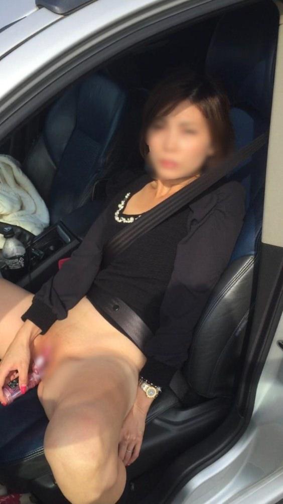 貧乏な訳あり素人妻がセックスに選ぶ場所www間男とのカーセックスが燃えるんですwww 0847