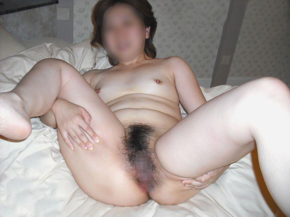 素人女子の陰毛の性的エロさったら異常www濃くて喉に絡まるくらいが好きだろーwww 0877
