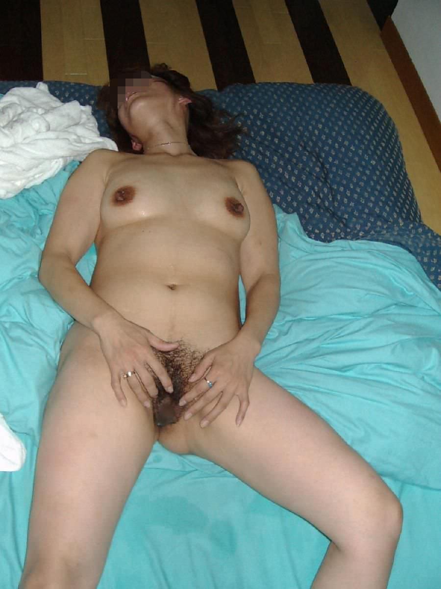 素人女子の陰毛の性的エロさったら異常www濃くて喉に絡まるくらいが好きだろーwww 0879