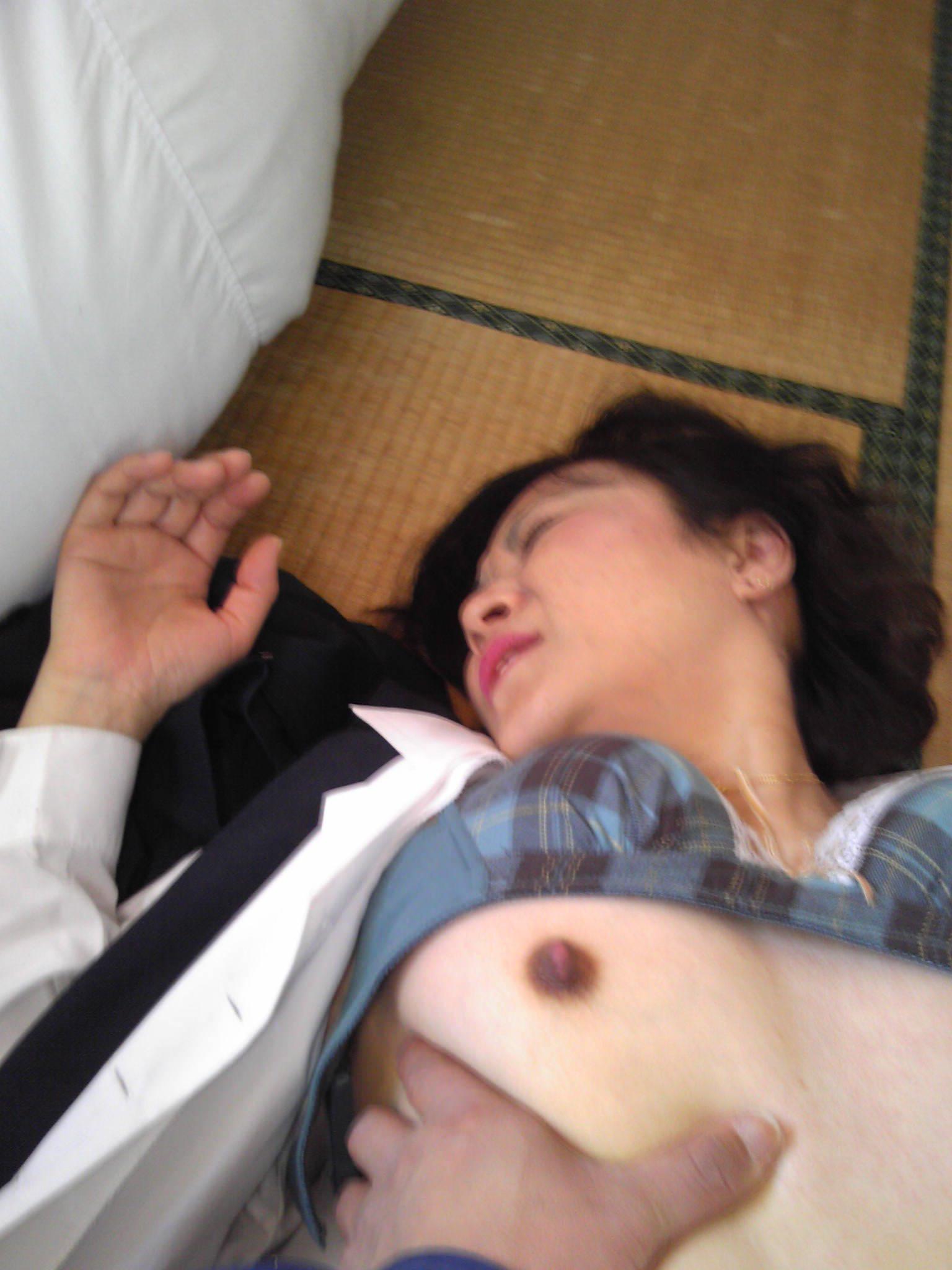 素人人妻のイキ顔エロ画像!!!歳を増す毎に感度ビンビン快感熟女www 0907