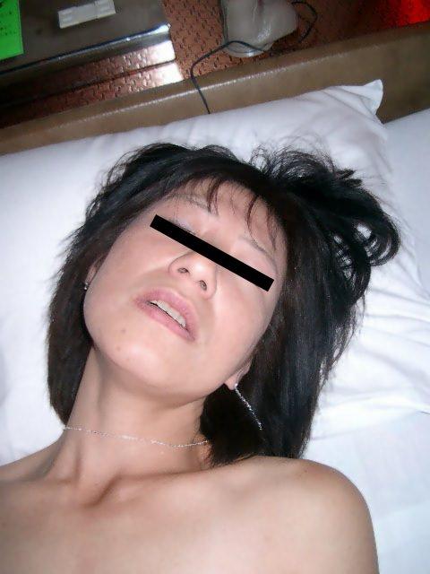 素人人妻のイキ顔エロ画像!!!歳を増す毎に感度ビンビン快感熟女www 0917