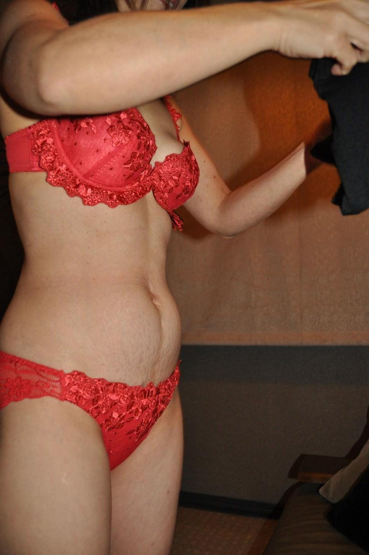 セックスし終わってマッタリしてる彼女さんを撮影した素人エロ画像www 1704
