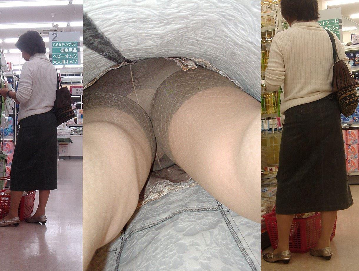 昼間にスーパーで買物中の人妻をこっそり付けてパンモロ画像を逆さ撮りwww 17457