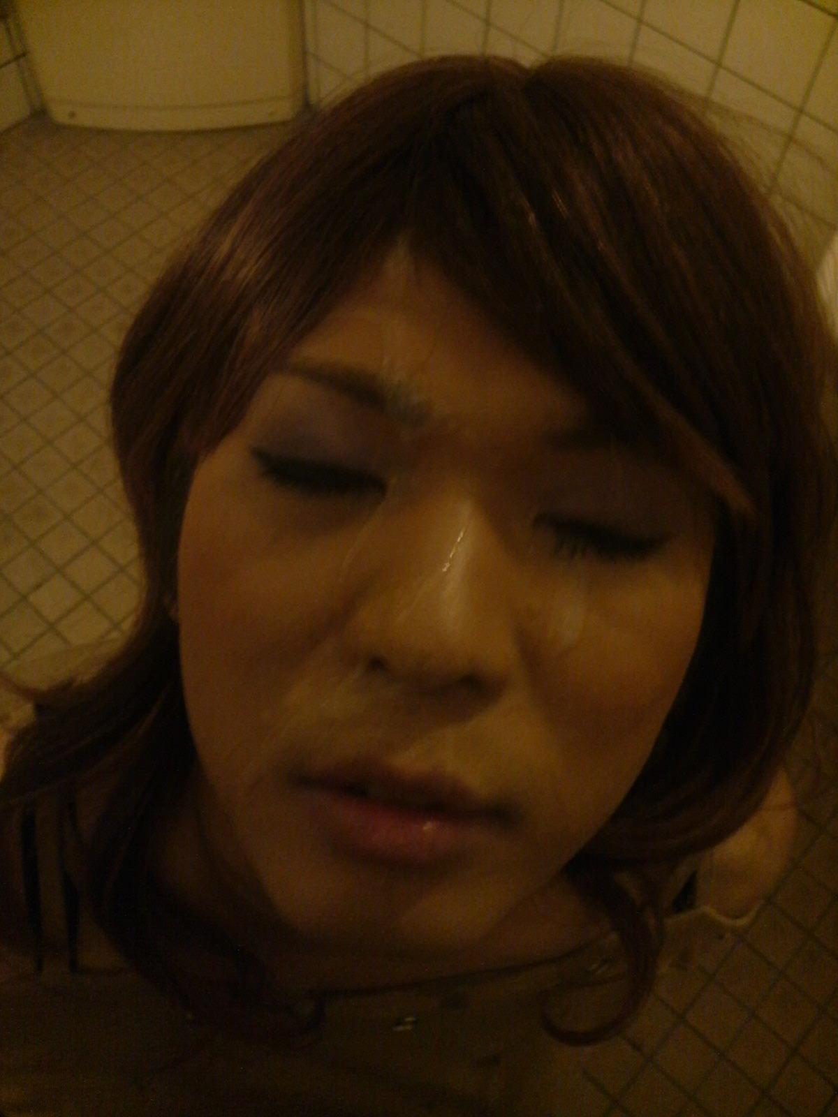 彼女の可愛い顔やおっぱいに精子をぶちまけたぶっかけエロ画像!!!! 2507