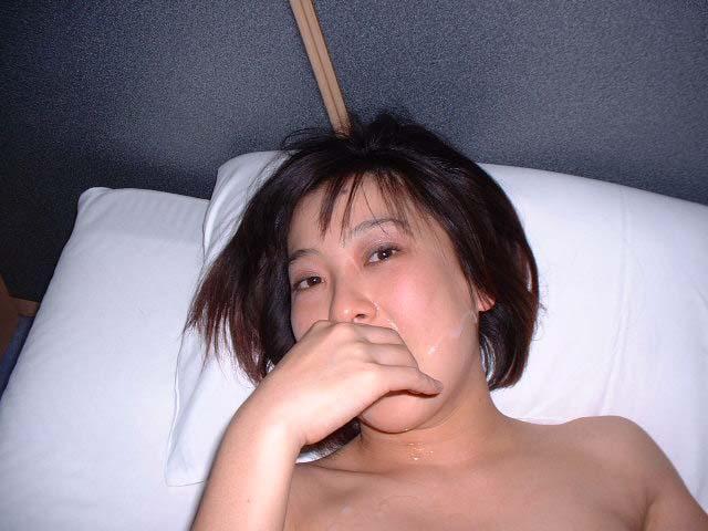 彼女の可愛い顔やおっぱいに精子をぶちまけたぶっかけエロ画像!!!! 2516