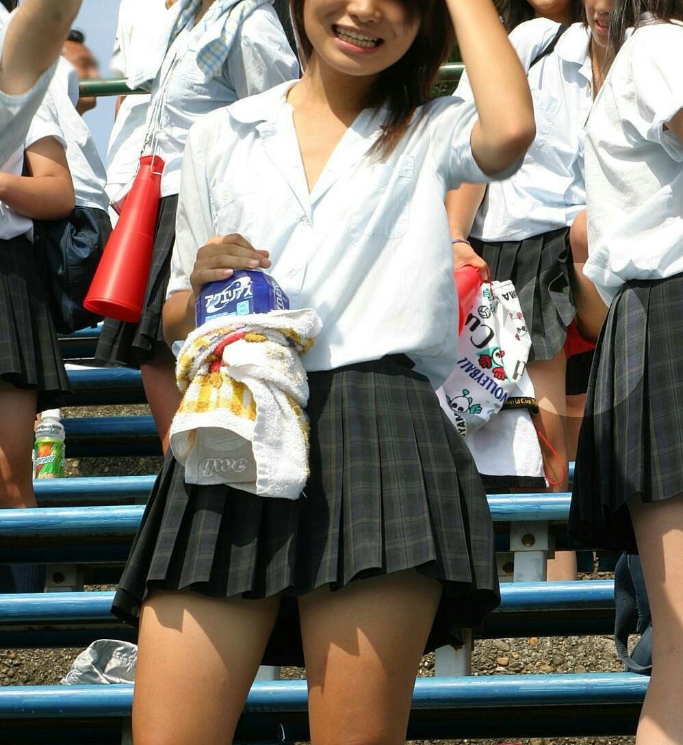 季節外れの汗臭い女子高生の画像でもいかが!? AJiBp1g