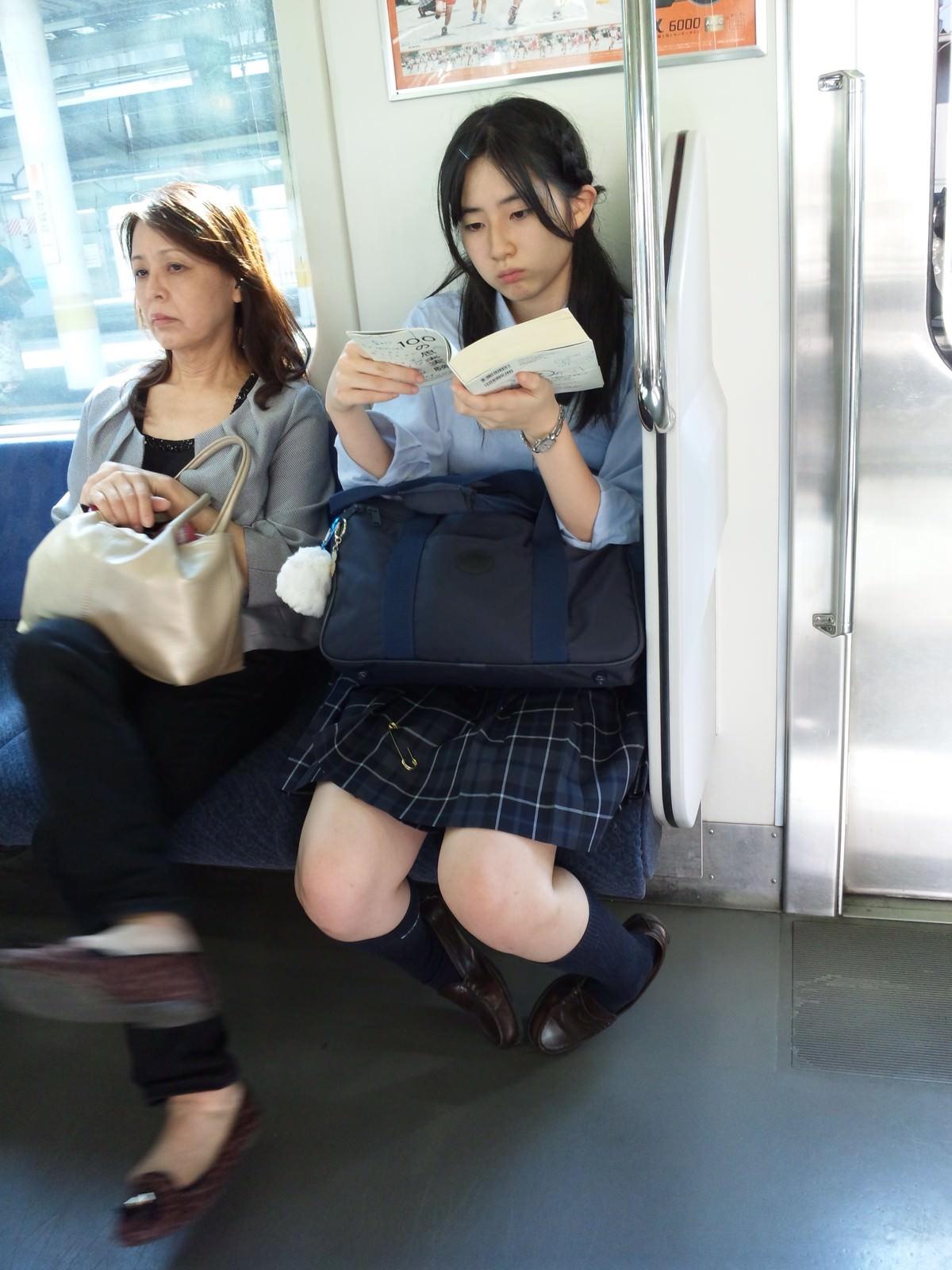 駅や電車で出会った奇跡の素人エロ画像wwwwwwwwwwwwww JphDh1h