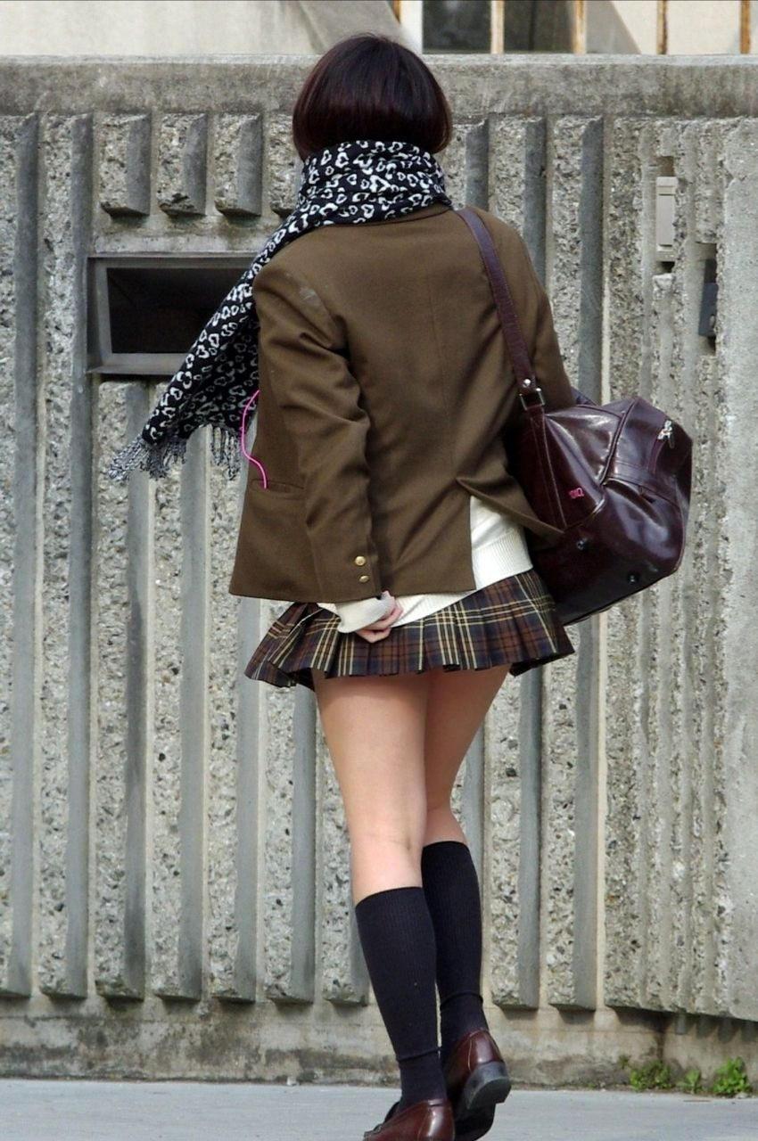 制服JKの日常風景だけでもムラムラするぞぉーwww街撮り画像だぁーwww WrqsFtb