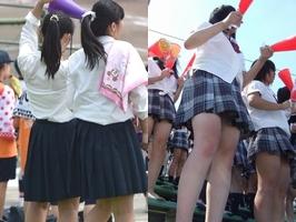 エッチパンストのJK高校生が幼い下半身がぐぅシコwww芋臭いパンティが興奮する逆さ撮り画像
