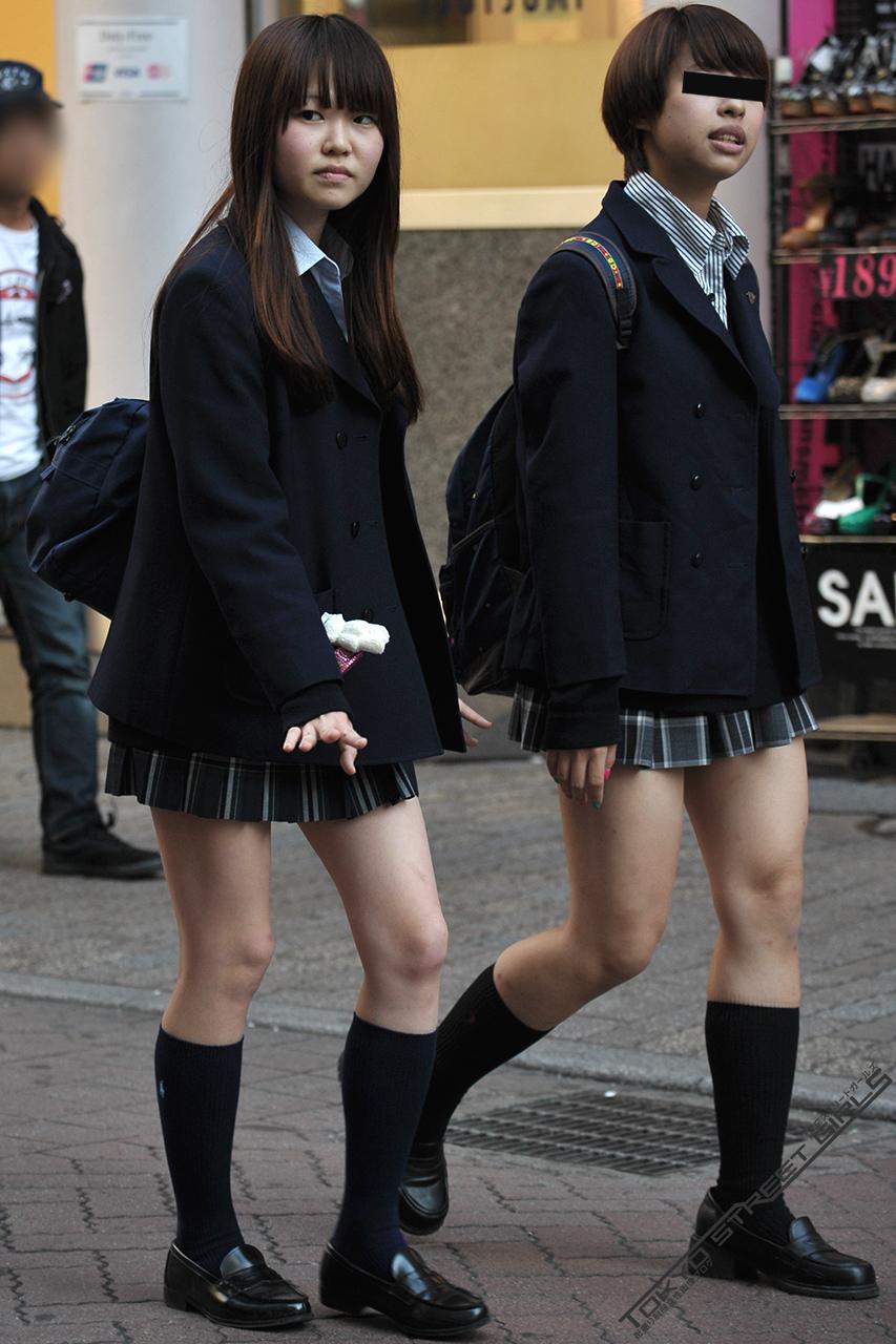 こんなJK達と手を繋いで通学する青春を送りたかった陰キャの妄想街撮り画像wwwwwwww kH74zPo
