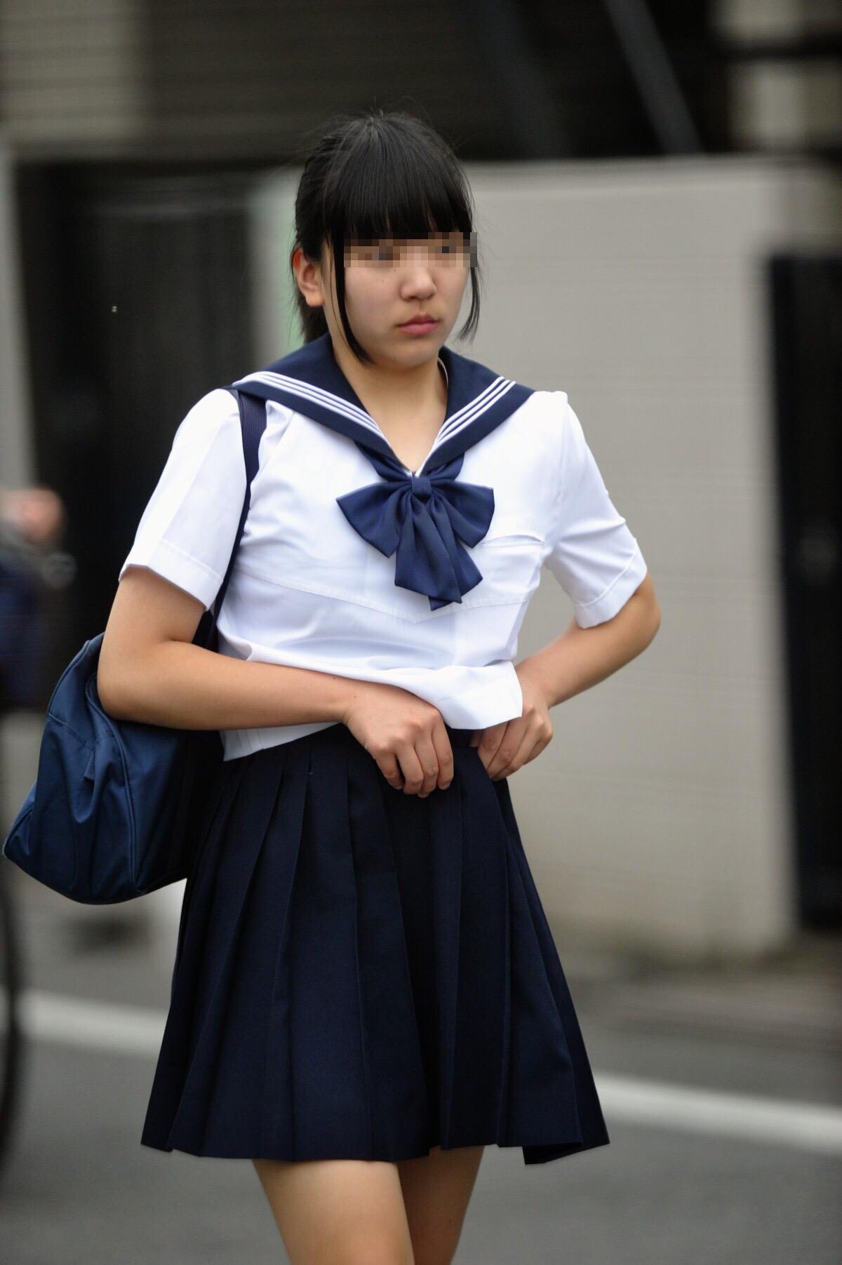 こんなJK達と手を繋いで通学する青春を送りたかった陰キャの妄想街撮り画像wwwwwwww nAvJoxz