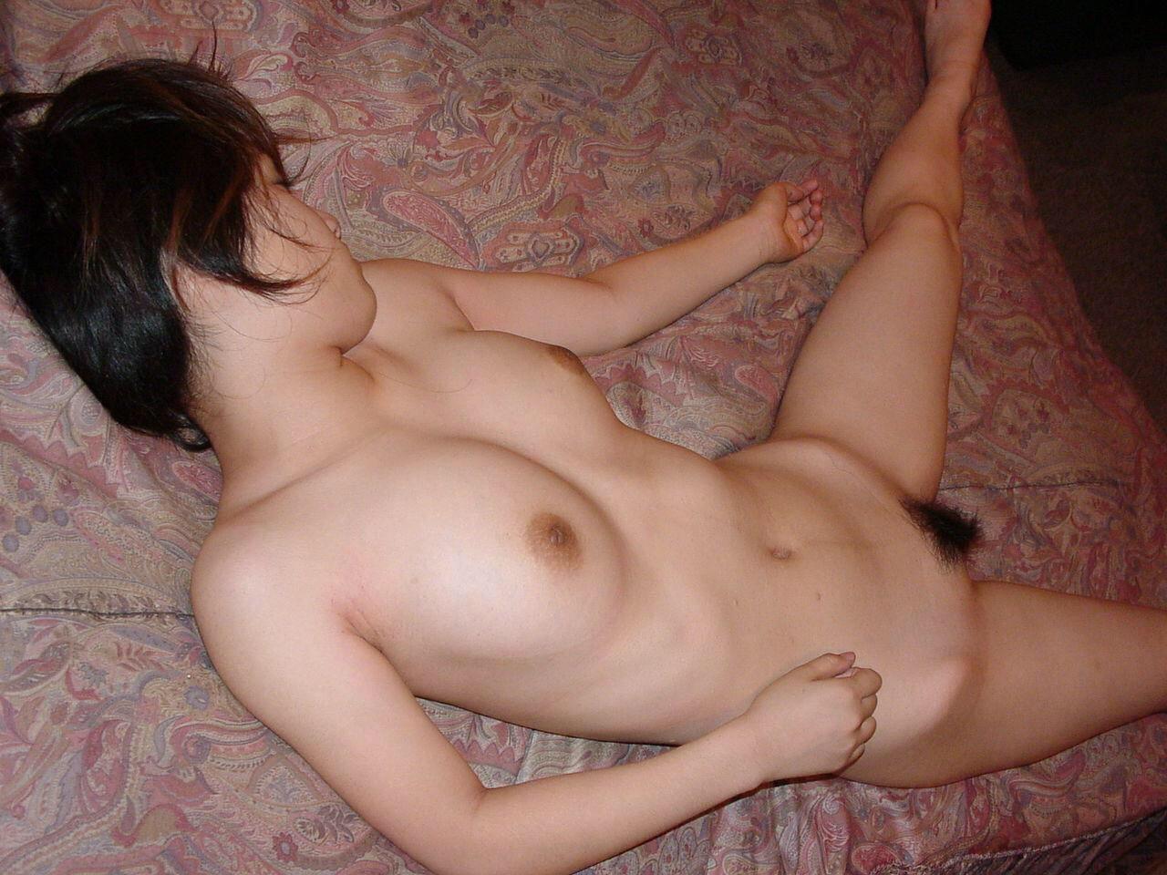 イキ過ぎてセックス直後に賢者で寝てる彼女のスケべヌードwwwおまんこおっぱい丸出しwww 0476