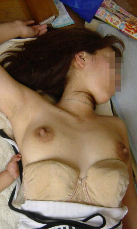 イキ過ぎてセックス直後に賢者で寝てる彼女のスケべヌードwwwおまんこおっぱい丸出しwww 0493