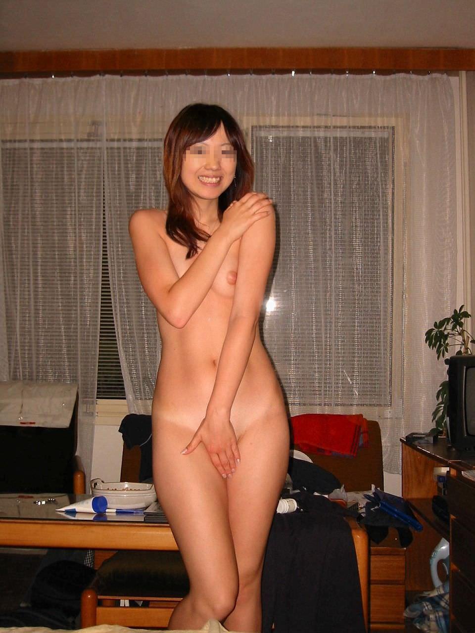 自宅で撮った素人娘の美巨乳ってなかなか貴重よな!!! 1020