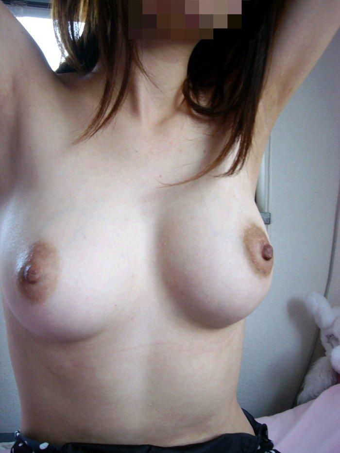 自宅で撮った素人娘の美巨乳ってなかなか貴重よな!!! 1035