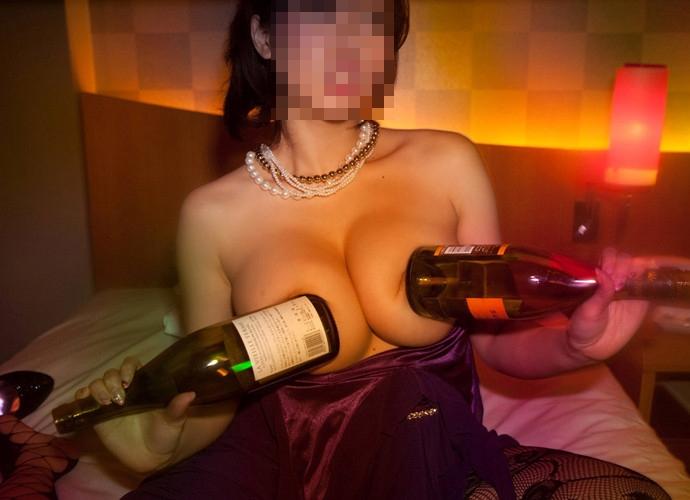 カラオケBOXでセックスやらフェラやら性行為してる素人カップルのエロ画像wwwwwwwwwwww 1202