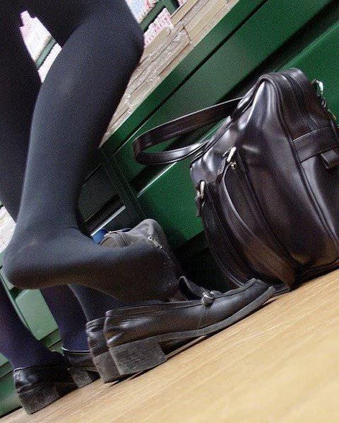 女子高生の靴下大好きソックスフェチ画像wwwwwwwwww 16FPICz