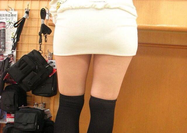 エッチな黒ニーソ履いたの女の子を街撮りしたエロ画像wwwww 1802