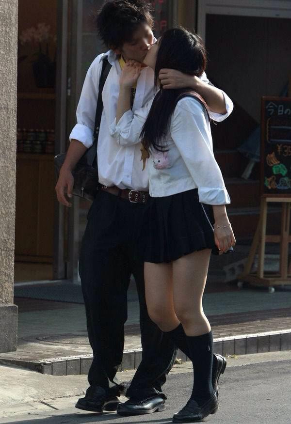 付き合いたてラブラブカップルのキス画像wwwwwww 2816