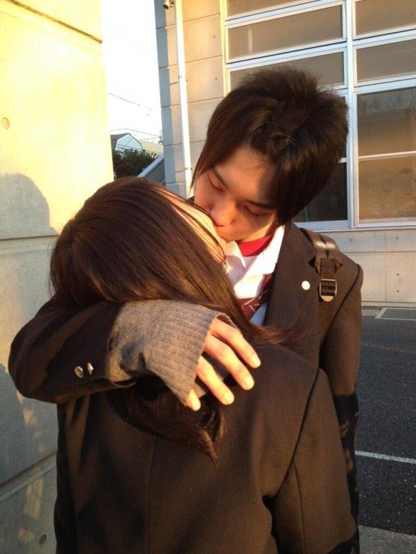付き合いたてラブラブカップルのキス画像wwwwwww 2826