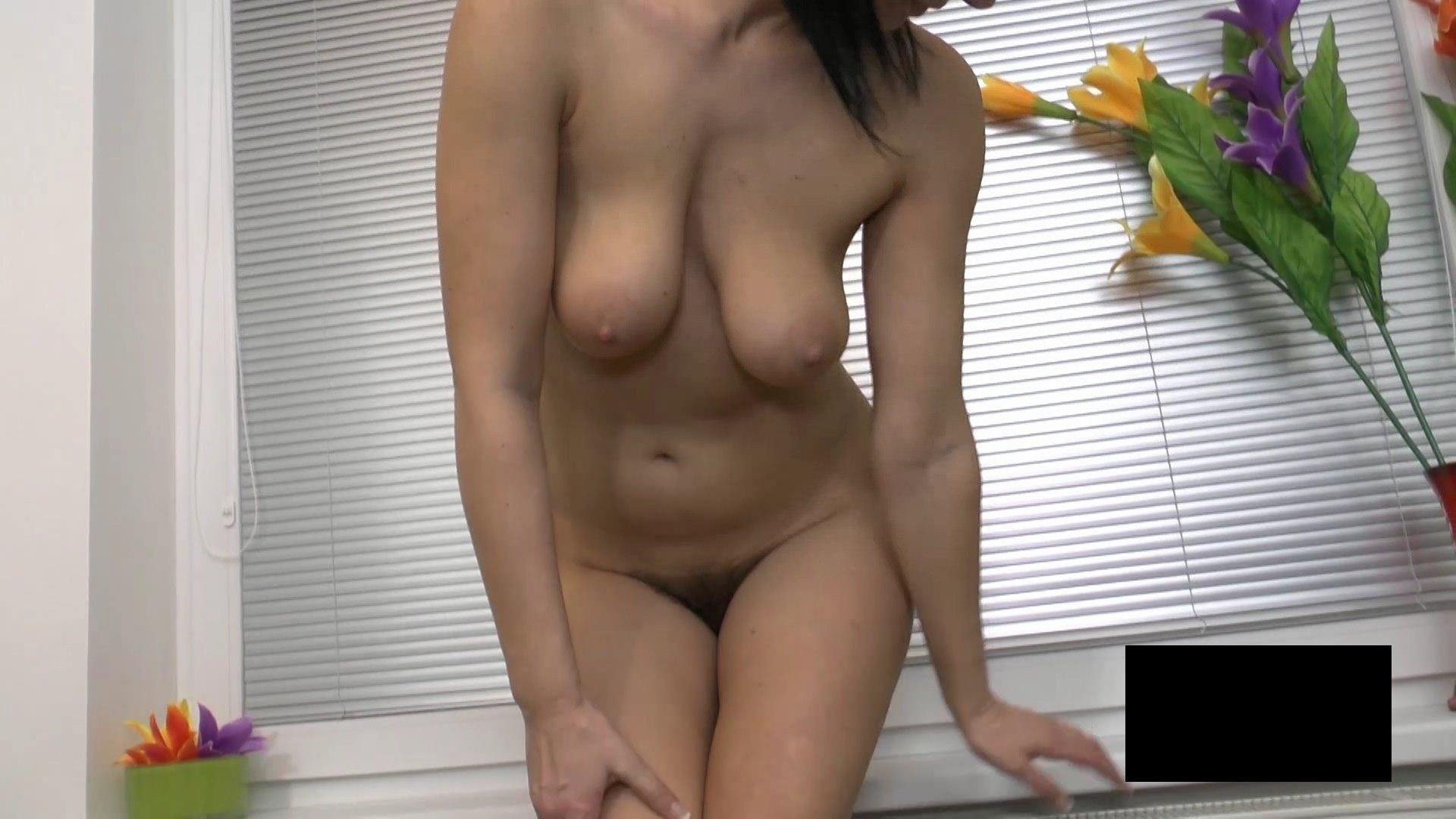 脂肪たっぷりの東欧熟女の脱衣ヌード画像貼ってくwwwwwwwww 2tbS7KO
