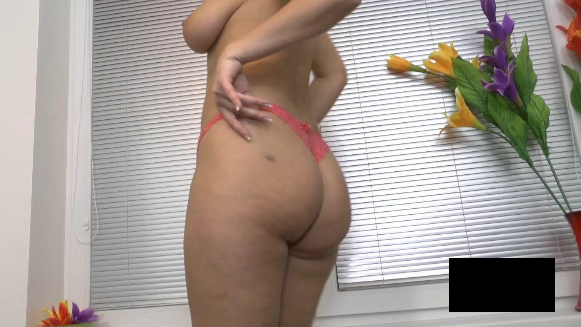 脂肪たっぷりの東欧熟女の脱衣ヌード画像貼ってくwwwwwwwww M4TRs65