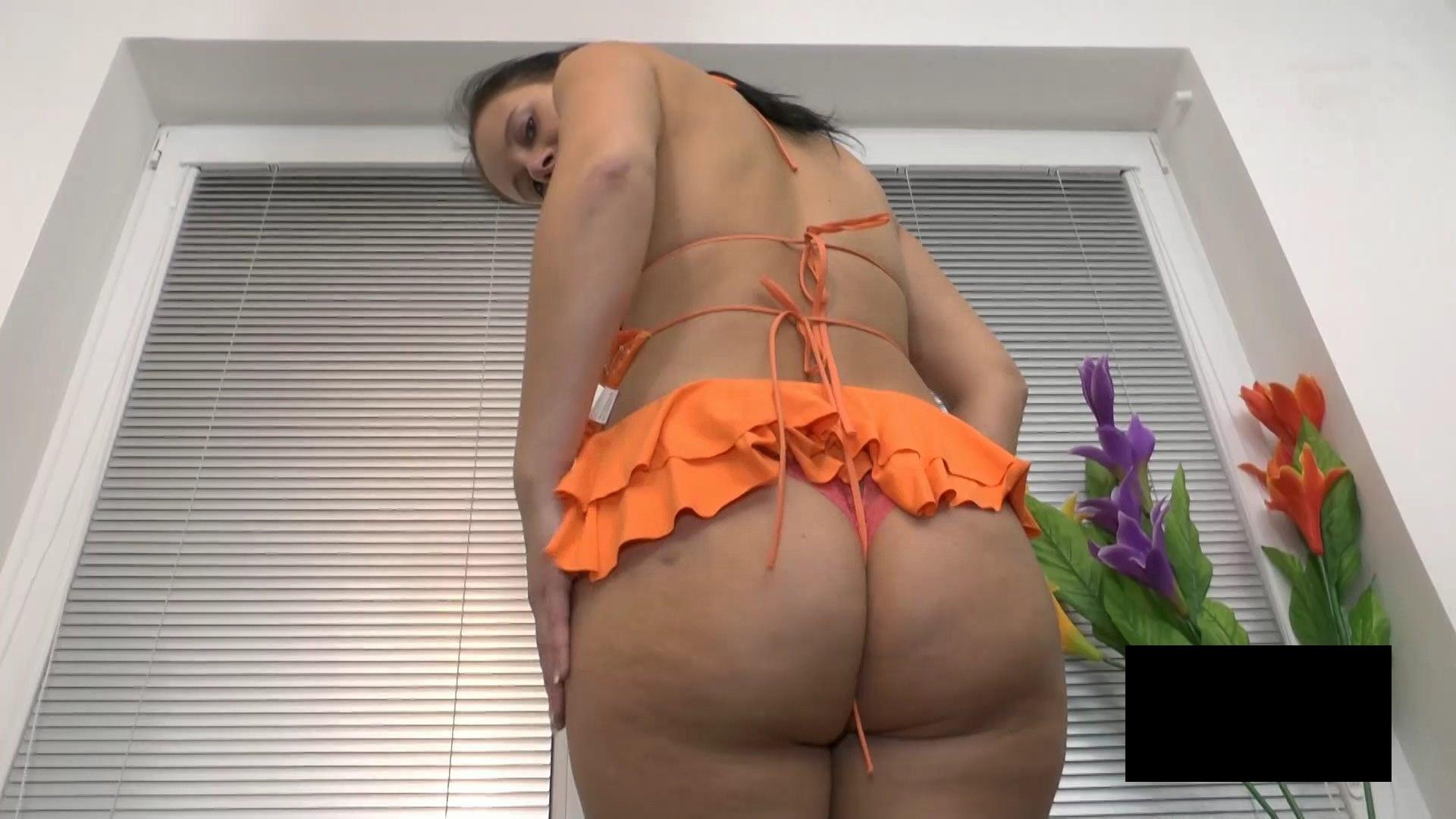 脂肪たっぷりの東欧熟女の脱衣ヌード画像貼ってくwwwwwwwww Ti8OkHM