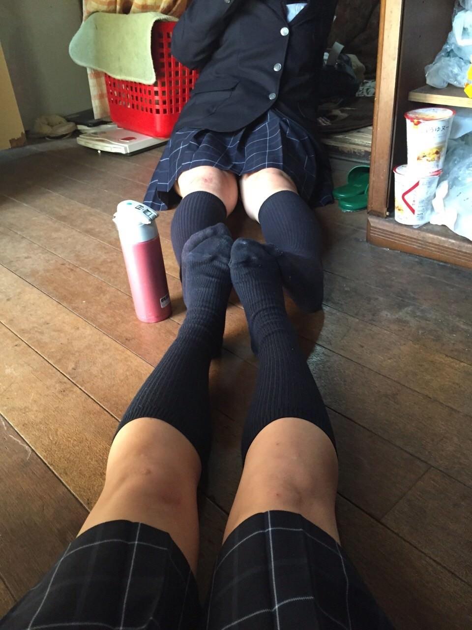女子高生の靴下大好きソックスフェチ画像wwwwwwwwww gAe1l6i