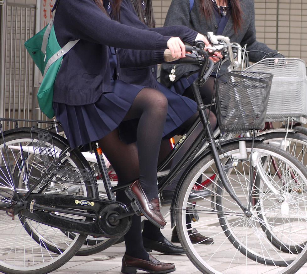 女子高生の靴下大好きソックスフェチ画像wwwwwwwwww lUxpAJy
