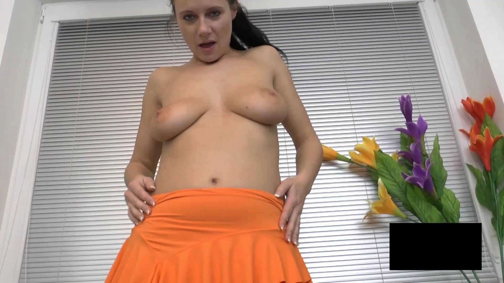 脂肪たっぷりの東欧熟女の脱衣ヌード画像貼ってくwwwwwwwww oeq93Ia