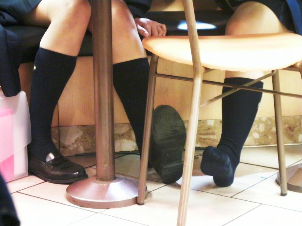女子高生の靴下大好きソックスフェチ画像wwwwwwwwww ylIoZmY