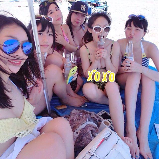 これからの時期胸チラおっぱい見放題www素人の柔らかそうな乳房にテント不可避www 0121