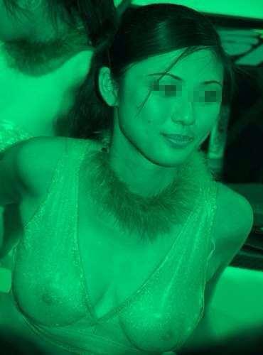 赤外線カメラの破壊力!!おっぱい乳首までくっきり透過しちゃってエロすぎでしょwwww 0504