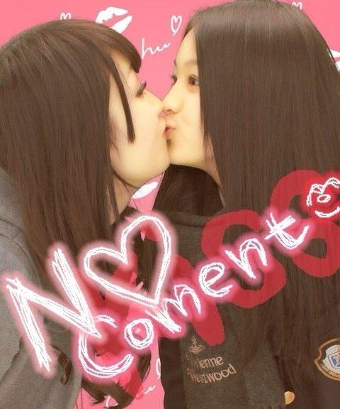 可愛い女の子がお口とお口でキスしてる!!!レズキス画像wwww 1144