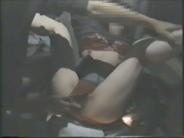 深夜の揺れる車を覗いたらガチカーセックス発見www赤外線カメラで隠し撮りwww 21414