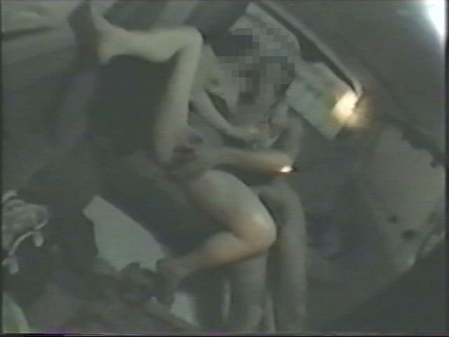 深夜の揺れる車を覗いたらガチカーセックス発見www赤外線カメラで隠し撮りwww 21418