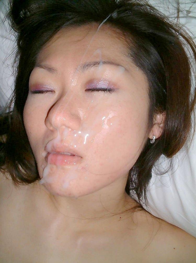 彼女の顔に初顔射www困惑する彼女の顔を記念に写メりました。 21645
