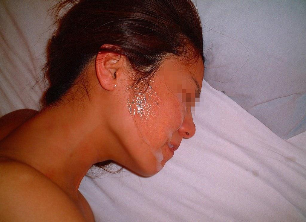 彼女の顔に初顔射www困惑する彼女の顔を記念に写メりました。 21649
