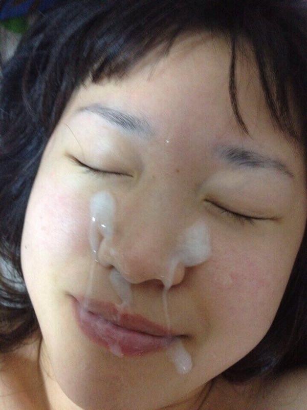 彼女の顔に初顔射www困惑する彼女の顔を記念に写メりました。 21651